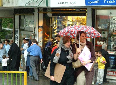 iranians_in_the_rain1