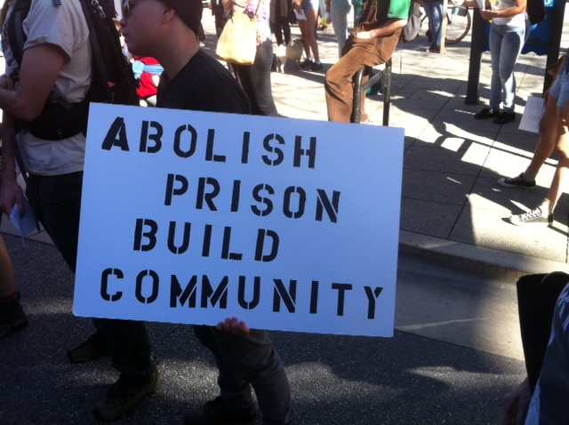 Cages-Kill-Freedom-Rally-Abolish-prison-build-community-Santa-Cruz-012415-by-Scott-Nelson